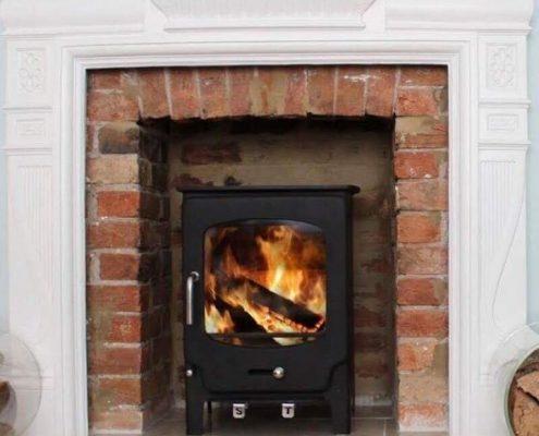 A Hetas stove installer