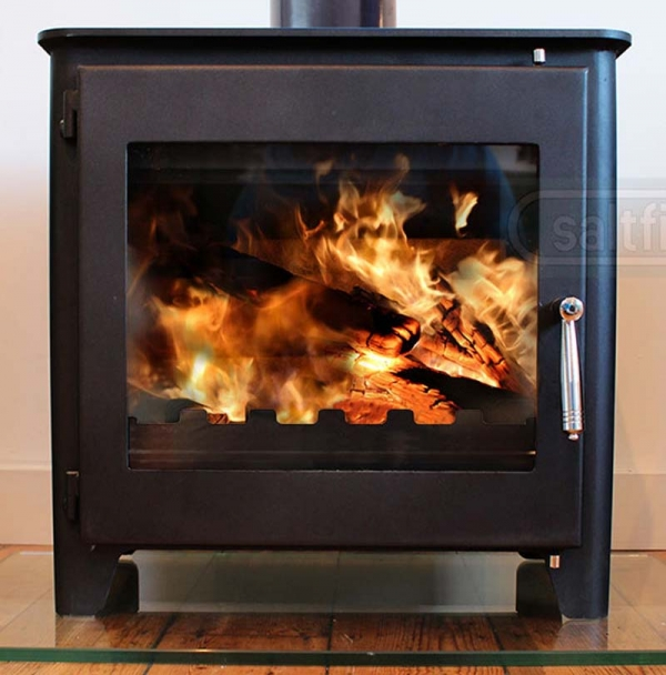 Saltfire ST3 woodburning stove front